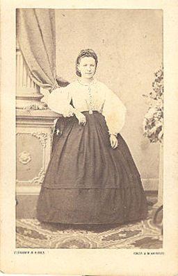 Primož Škof - portret mlajše ženske