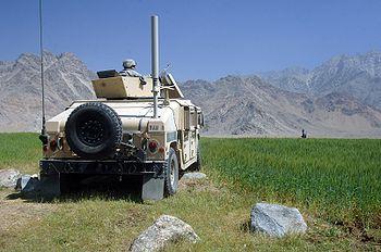Ein US-Soldat sichert einen Kontrollpunkt in Kapisa, Afghanistan