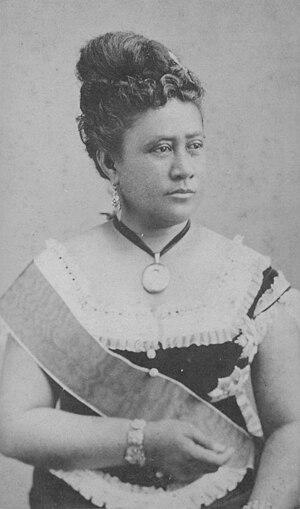 Queen Kapiolani - Image: Queen Kapiolani, photograph by A. A. Montano (PPWD 15 7.024)