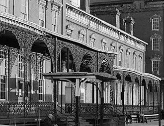 Queen City Hotel - Image: Queen city hotel porch