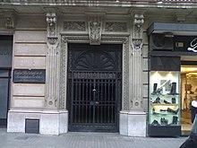 Rambla de Catalunya 34, Barcellona, edificio presso cui è stato girato il film
