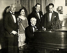 Photo de Ravel au piano avec Fried, Gauthier, Leide-Tedesco et Gershwin.