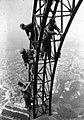 Repainting the Eiffel Tower 1924.jpg