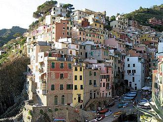 Riomaggiore - Image: Riomaggiore village