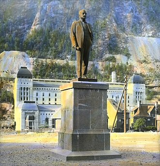 Rjukan - Sam Eyde monument