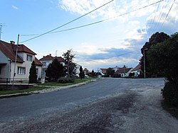 Road in Slatina, Znojmo District.JPG