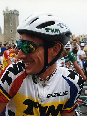 1987 Giro d'Italia - By winning the twenty-first stage, Robert Millar (pictured here on the Tour de France in 1993) vaulted to second overall.