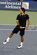 Roger Federer at the 2010 US Open 06.jpg