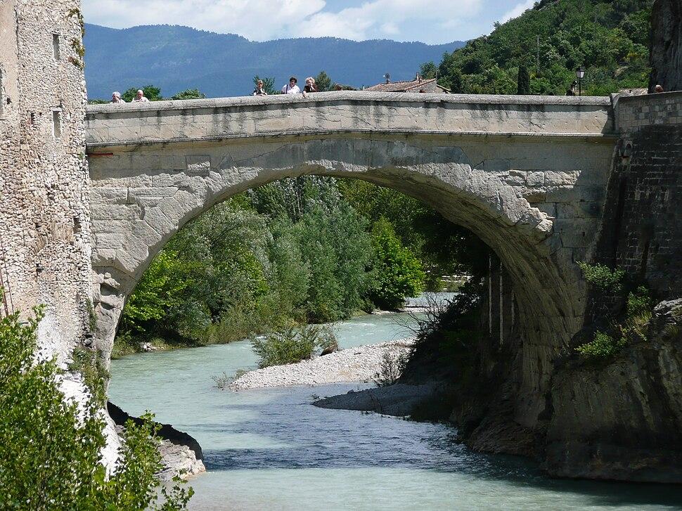 Roman Bridge, Vaison-la-Romaine, France. Pic 02