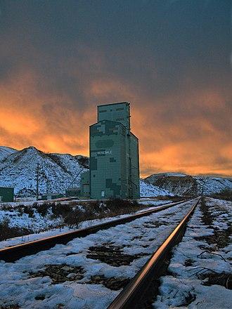 Rosedale, Alberta - Grain elevator and tracks in Rosedale