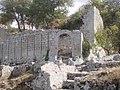Ruines du fort médiéval de Buoux.jpg