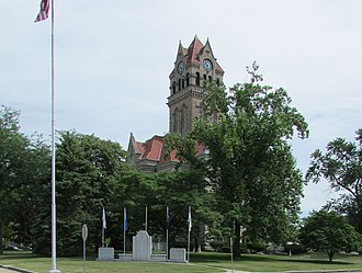 Starke County Courthouse - Image: SCCH Courthouse Square & Memorial 14 25 29 026