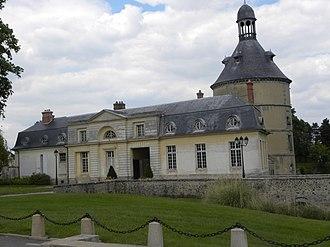 Sainte-Geneviève-des-Bois, Essonne - Image: S Gd B Chateau