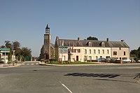 Saint-Jean-de-Daye - Place de l'église.jpg