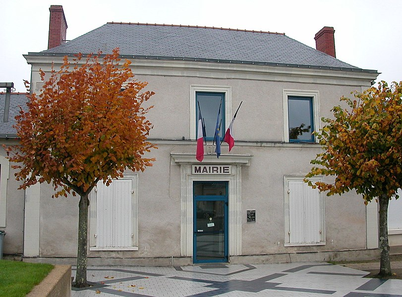 Town hall of Saint-Jean-de-Linières