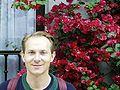 Sanyerme entre flores.jpg