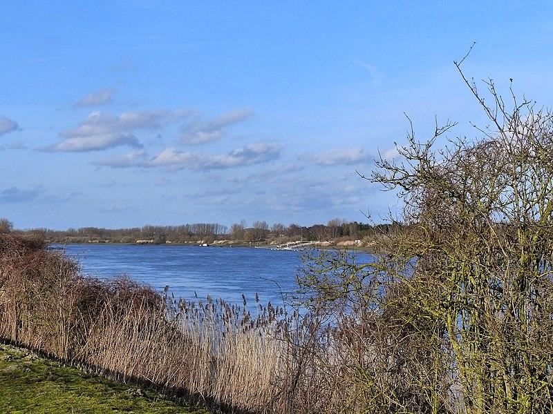File:Schelde, overkant Branst - panoramio.jpg
