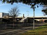 Schnewlinbrücke über die Dreisam und B 31a in Freiburg mit Jugendstilgeländer 5.jpg