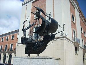 Sculpture outside Museo de América, Madrid.JPG