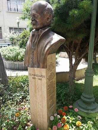 Ignaz Semmelweis - Semmelweis statue at the University of Tehran