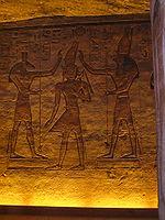 Ramsès II couronné par les dieux Seth et Horus - Abou Simbel