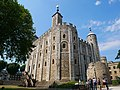 Southeast View of the White Tower, Tower of London (01).jpg