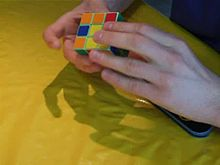 Plik:Speedsolving a 3×3×3 Rubik's Cube with Fridrich Method.ogv