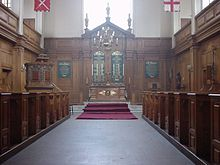 St Andrew-by-the-Wardrobe - Wikipedia