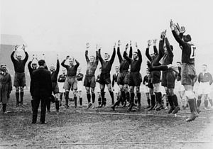1929–30 Kangaroo tour of Great Britain - The Australian rugby league team performing their pre-match war cry.