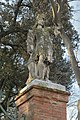 Statua maschile giardini Papadopoli ingresso Canal Grande dx Venezia.jpg