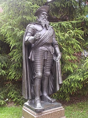 Albert, Duke of Prussia - As Grand Master of the Teutonic Order, Statue by Rudolf Siemering