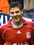 Liverpools kaptajn Steven Gerrard fik lov at løfte EC-pokalen efter en mægtig vending i finalematchen