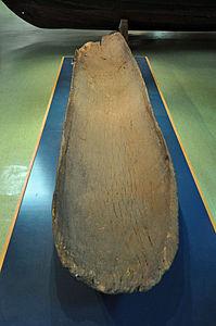 Stralsund, Meeresmuseum,Einbaum (2012-04-10), by Klugschnacker in Wikipedia.jpg