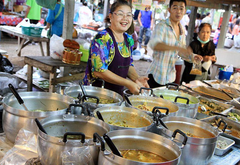 File:Street food vendors at a roadside market just outside Hua Hin, Thailand.jpg