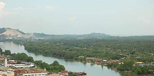 Batu Pahat River - Image: Sungai bp