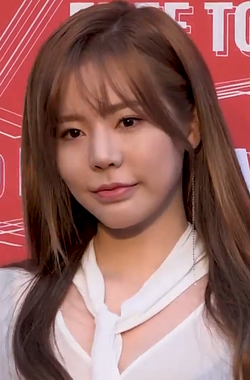 Sunny at Budweiser Project B Party on April 2018 02.png