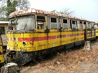 Lawa Railway - Diesel railcar in the former station of Onverwacht