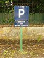 Tagnon-FR-08-panneau de parking-1.jpg