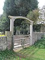 Tapsel gate at Botolphs, West Sussex.jpg