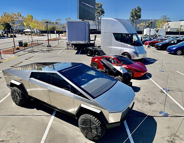 File:Tesla ASM Lineup of Vehicles.jpg
