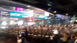 ไฟล์:Thai police disperse Patumwan flash rally 16102020.webm