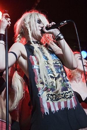 Taylor Momsen, vocalista de The Pretty Reckles...