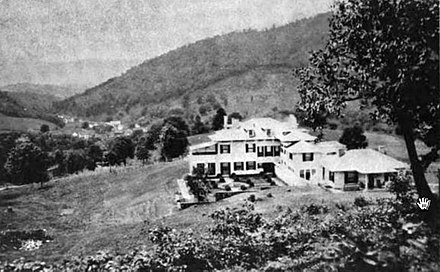 Three Hills, home of novelist Mary Johnston, Warm Springs, Virginia, 1915. Three-Hills-ca1915.jpg