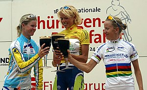 Theresa Senff - Senff (center) won the 2005 Thüringen Rundfahrt