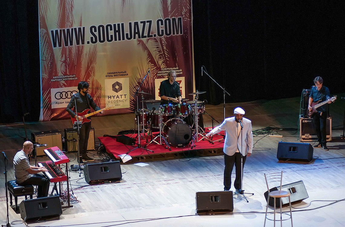Tony Momrelle Band 08.jpg