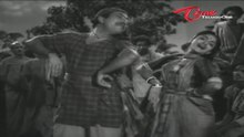 దస్త్రం:Town Pakkakelloddura video song from Todi Kodallu.webm