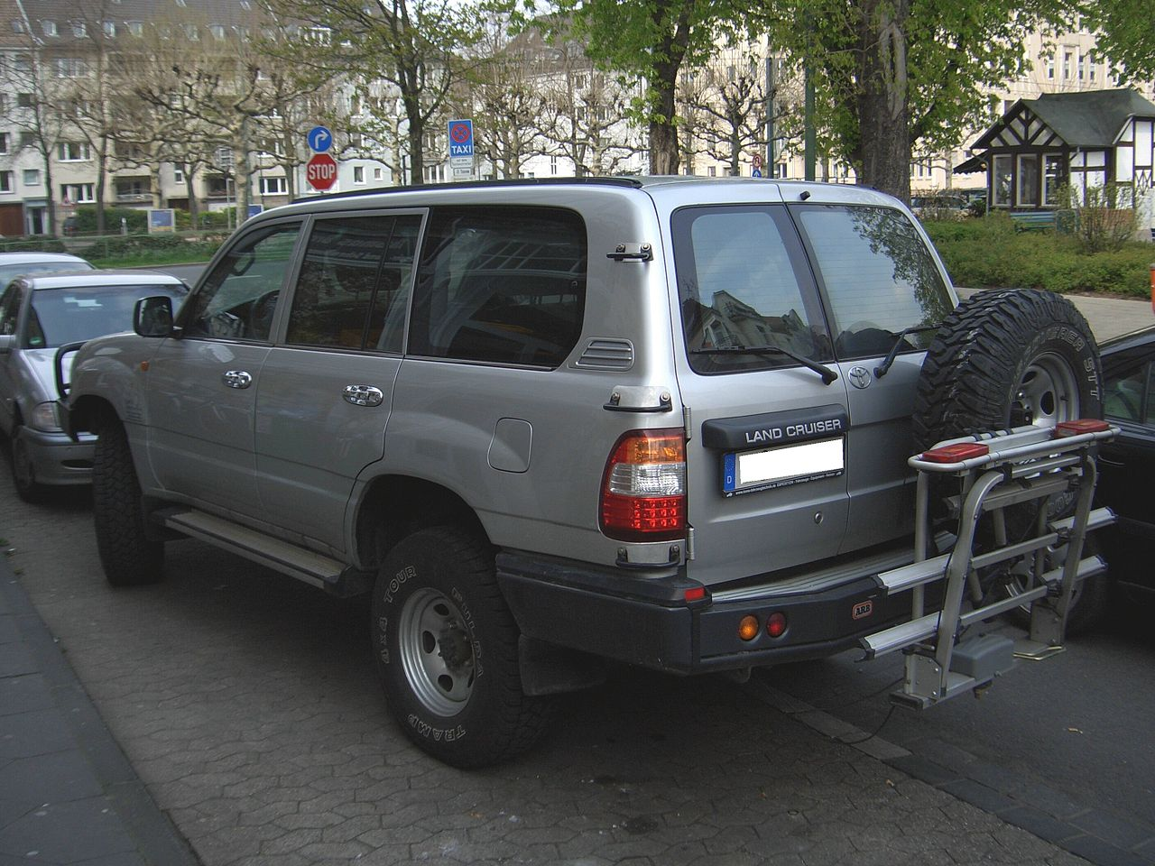 Toyota Land Cruiser Wiki >> File:Toyota Land Cruiser 100 series 1998-2007 TOMS FAHRZEUGTECHNIK conversion backleft 2008-04 ...