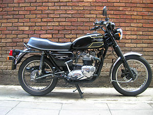Triumph Thunderbird - 1983 Triumph Thunderbird with siamesed exhaust system. By then, polished alloy or chromed parts replaced the budget satin black engine finish on the initial 1981 model specification.
