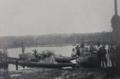 Transport des plantes et des graines du Jardin d'Eala à Coquilhatville, où avait lieu l'embarquement à bord des steamers du fleuve Congo (années 1920).png