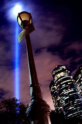 Tribute in Light (2849523066).jpg